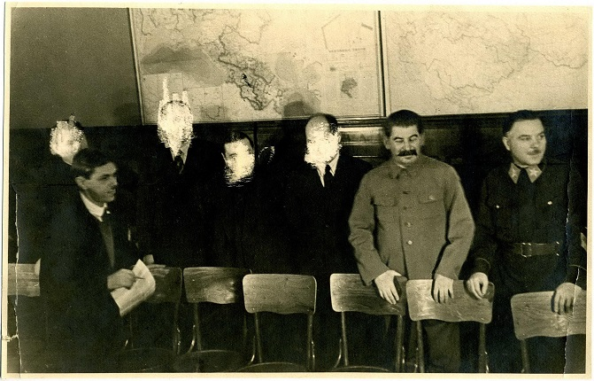 Unknown author. Participants in the meeting with Iosif Stalin and Kliment Voroshilov. Moscow, second half of the 1930s. MAMM collection