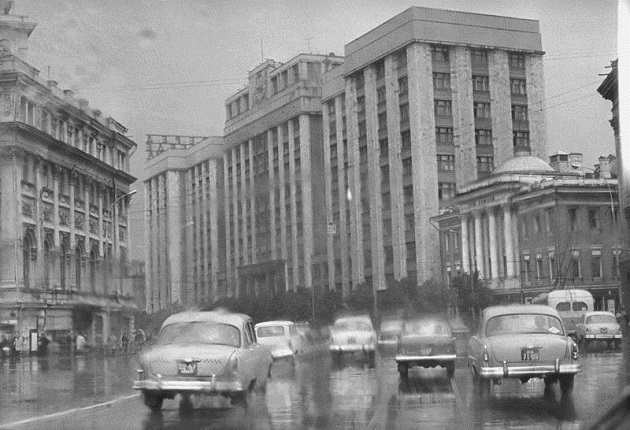 Okhotny Ryad. Moscow, 1960. Silver-gelatin imprint. Collection of MAMM