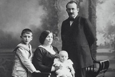 Early 20th Century Family Portraits